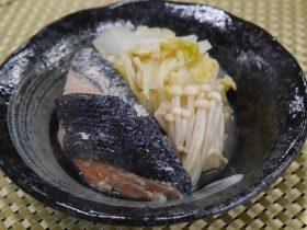 鮭と白菜の味噌バター煮